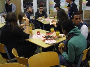 Gemeinsames Essen verbindet Kulturen